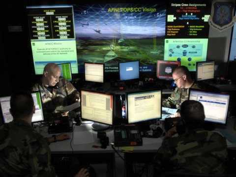 US military contractors hacked – possible link with RSA SecurID breach